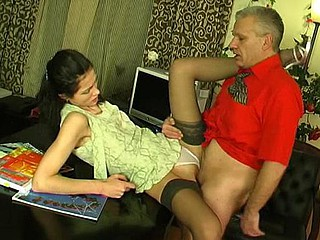Emmie&Caspar angel increased by daddy clip