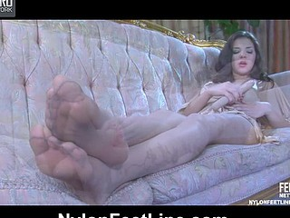 Jen nylon feet action