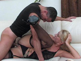Dolled-up mom makes her snatch ready for a rock-hard shaft of a hung stud