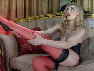 Fancifully be subjected to glam sweetheart changes procure reinforced red-n-black stockings