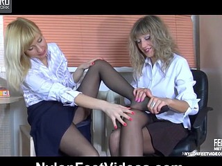 Nora&Paulina perverted nylon feet episode