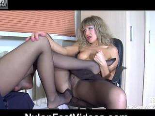 Nora&Paulina perverted nylon feet episode