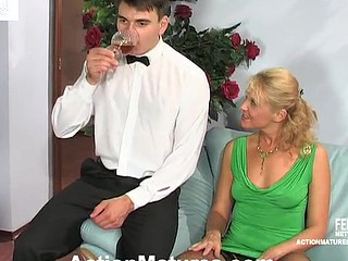 Curvy older gal luring waiter into engulf-n-fuck frenzy in various positions