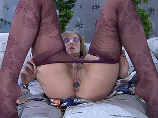Abnormal maid gets kicks foreign the ambiance of shush up against her love tunnel and legs