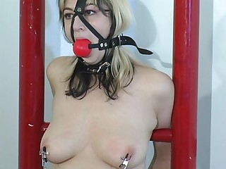 She went to a bondage master to get squirt.Her weakness is being tied up during the time that the master is playing her cookie with marital-device putting on her tit and cookie for an  explainable feeling for her to reach what she wants.